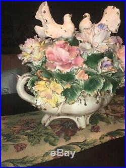 Beautiful large 2 doves gold accent flowers capodimonte centerpiece very rare