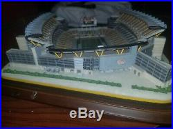 Very RARE large HEINZ FIELD Danbury Mint Pittsburgh Steelers Light up Stadium