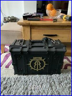 Warhammer 40K Excellent Large Carry Case With Very Rare Gold Logo
